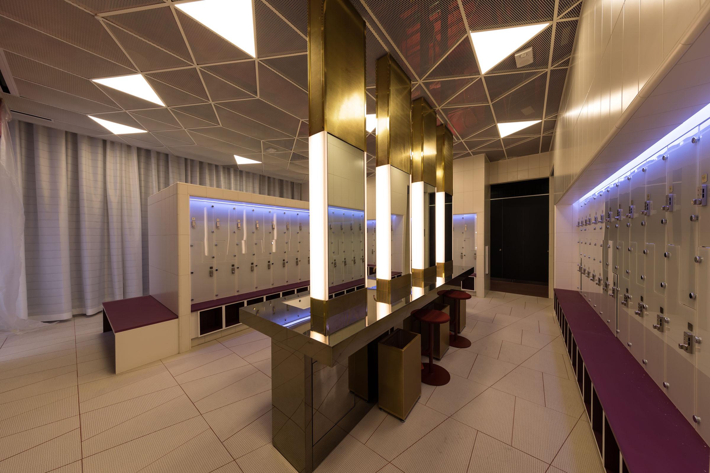 Wilshire Grand Locker Room 0315 Copy Lighting Design Alliance